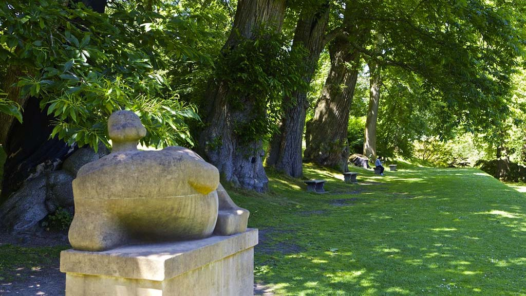 Henry Moore's Reclining Figure