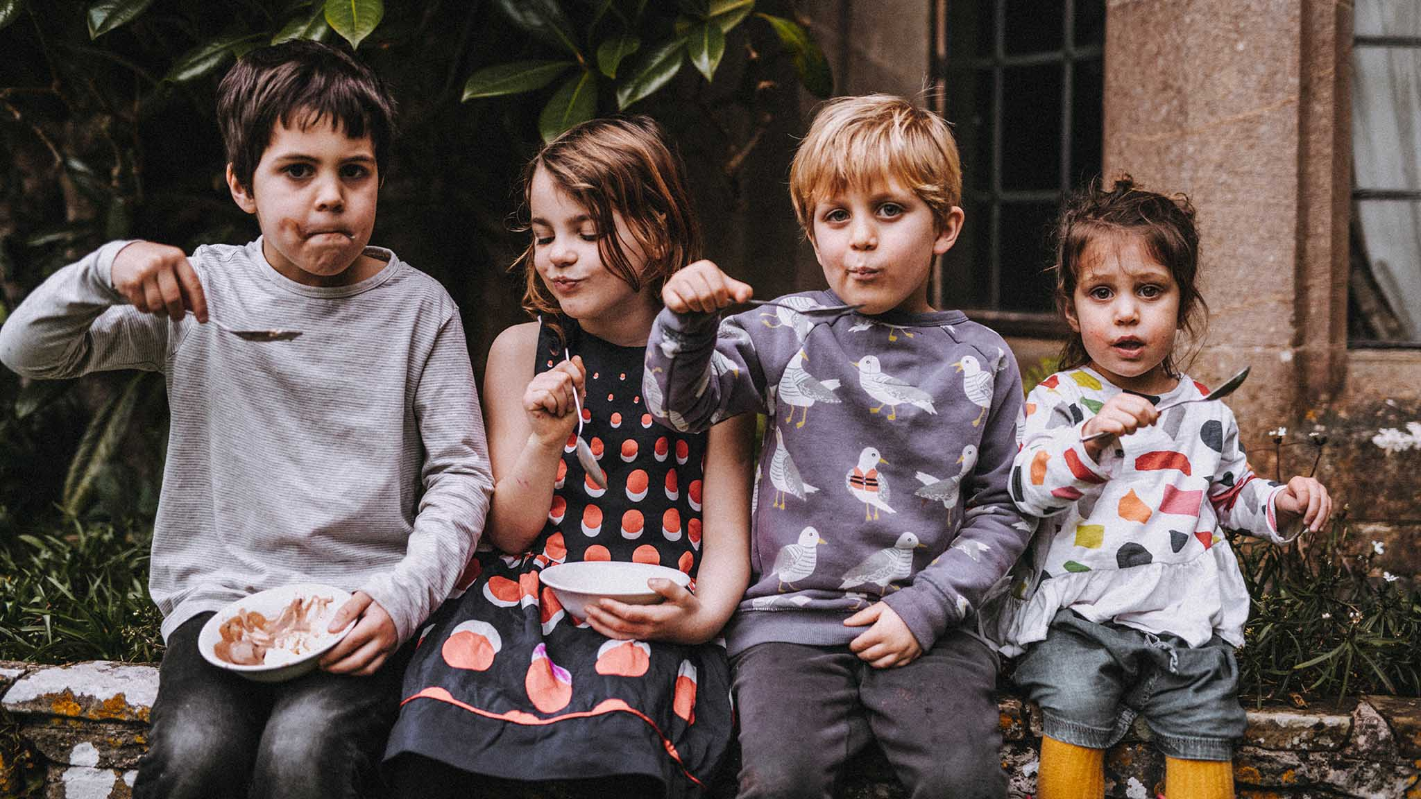 Kids eating food at Dartington Hall