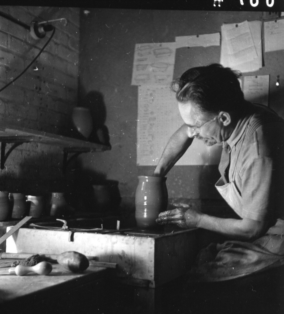 Bernard Leach at Shinners Bridge Pottery. Photo Fritz Henle, Dartington Archive
